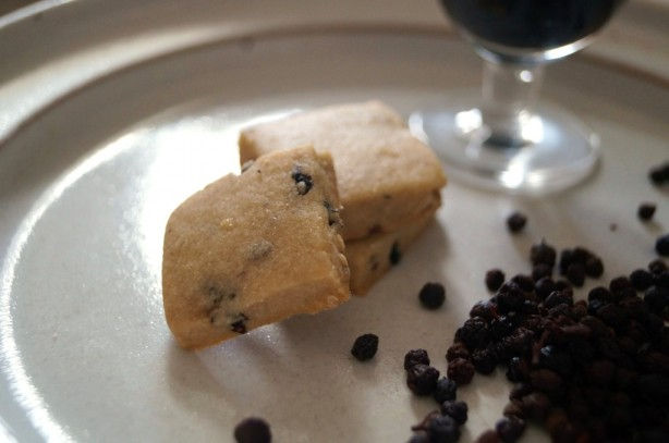 Elderberry-lemon Shortbread recipe